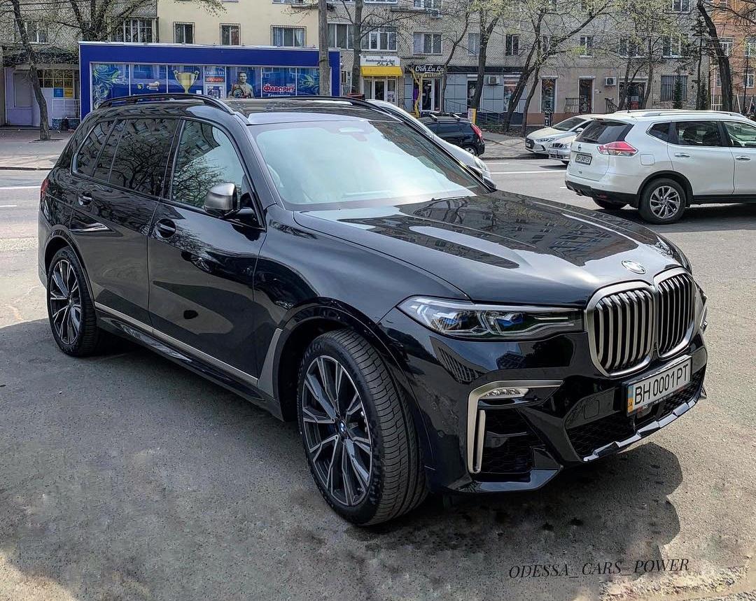 В Украине засняли самый роскошный кроссовер BMW в истории марки