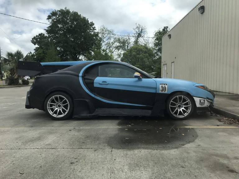Владелец Hyundai превратил его в гиперкар Bugatti Chiron