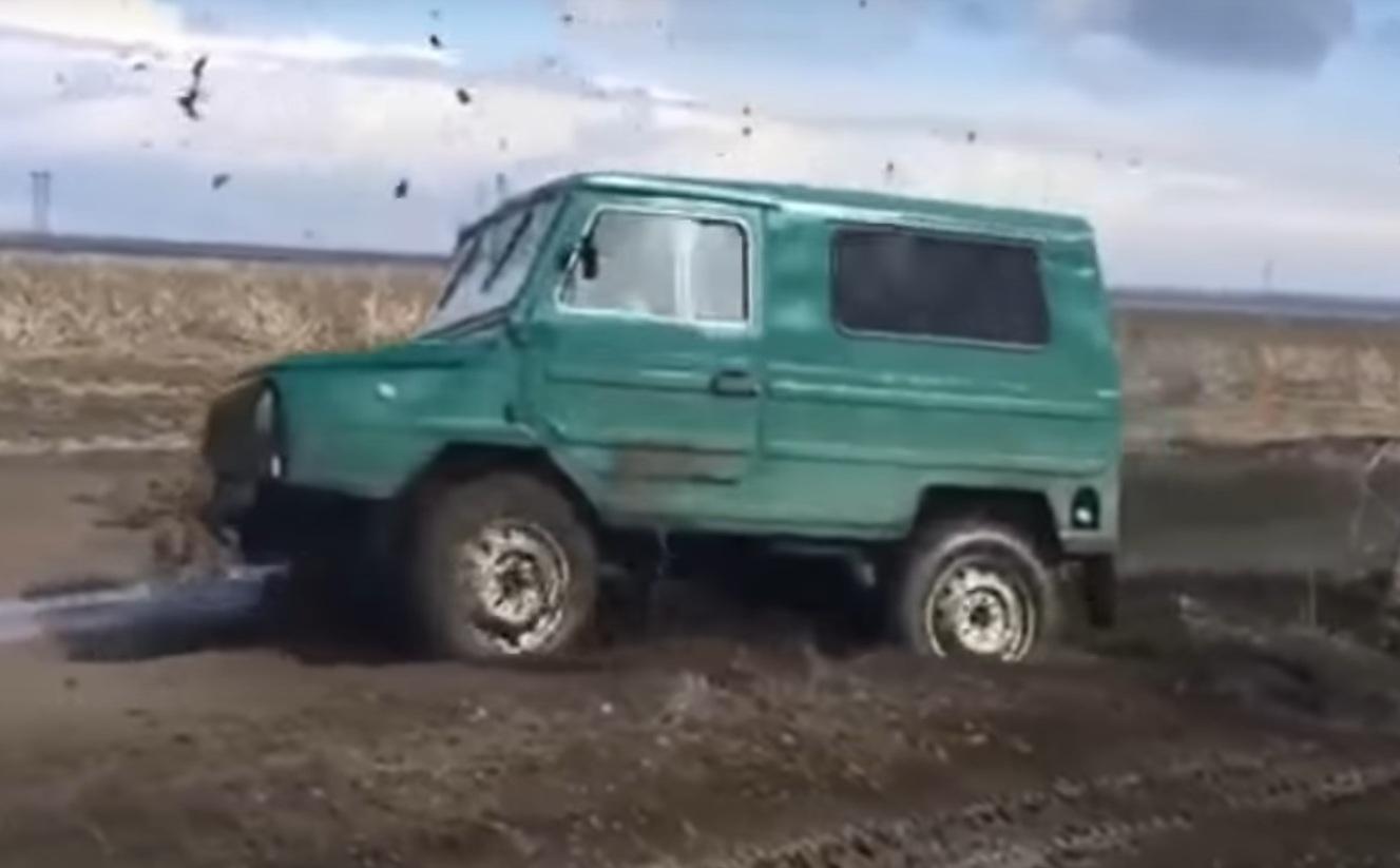 Украинский внедорожник обошел Дастер и тюнингованный УАЗ на бездорожье