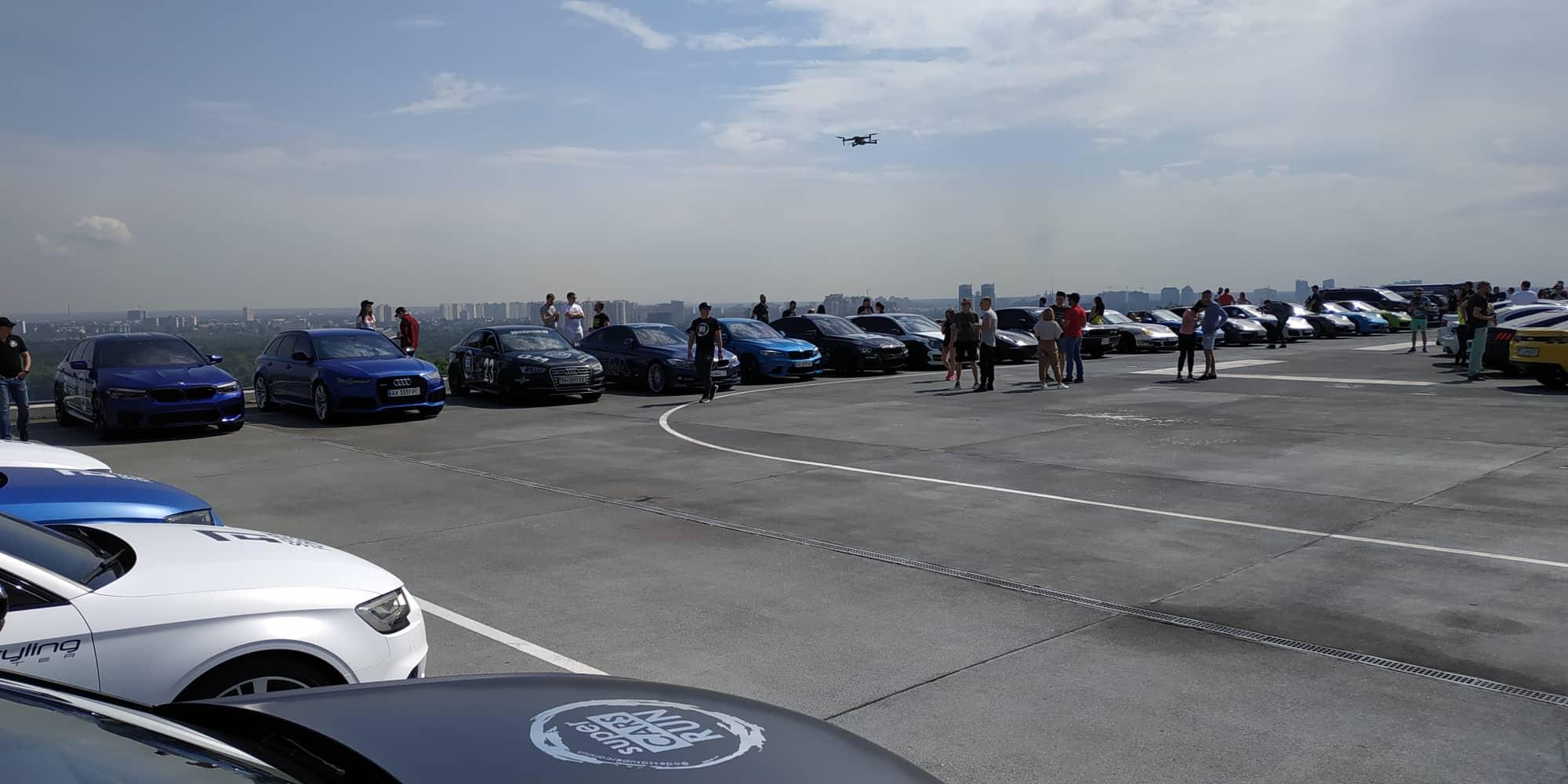 В Украине проходит масштабный автопробег суперкаров (фото)