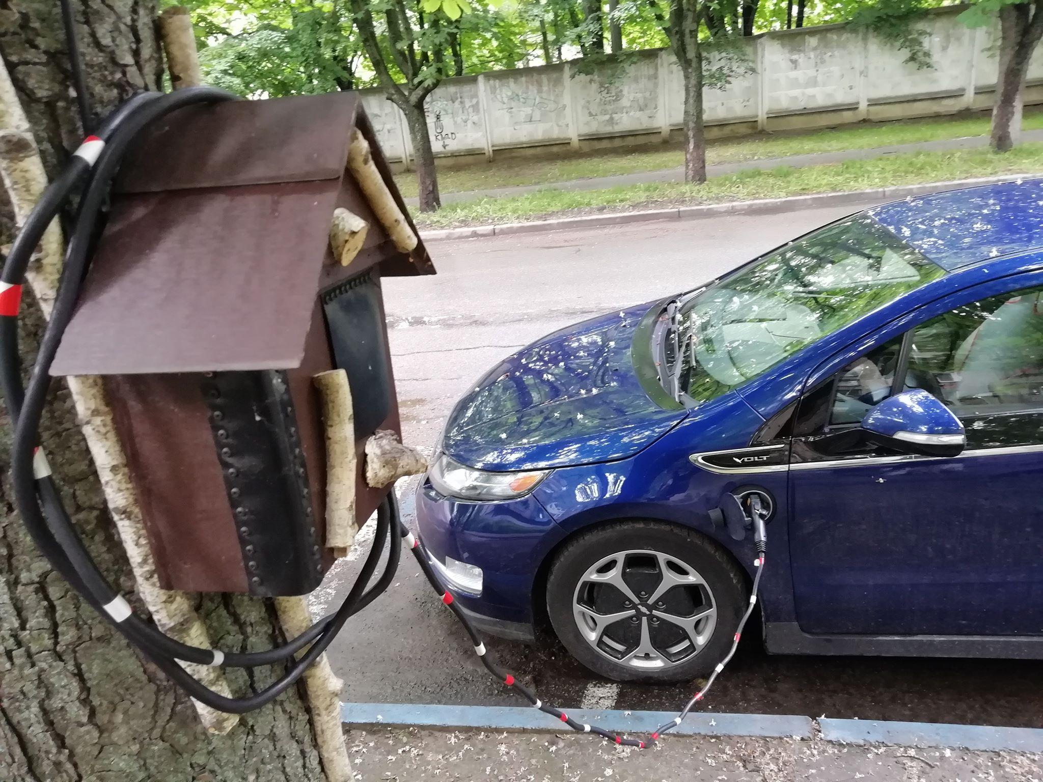 Украинец придумал оригинальный способ зарядки электромобилей