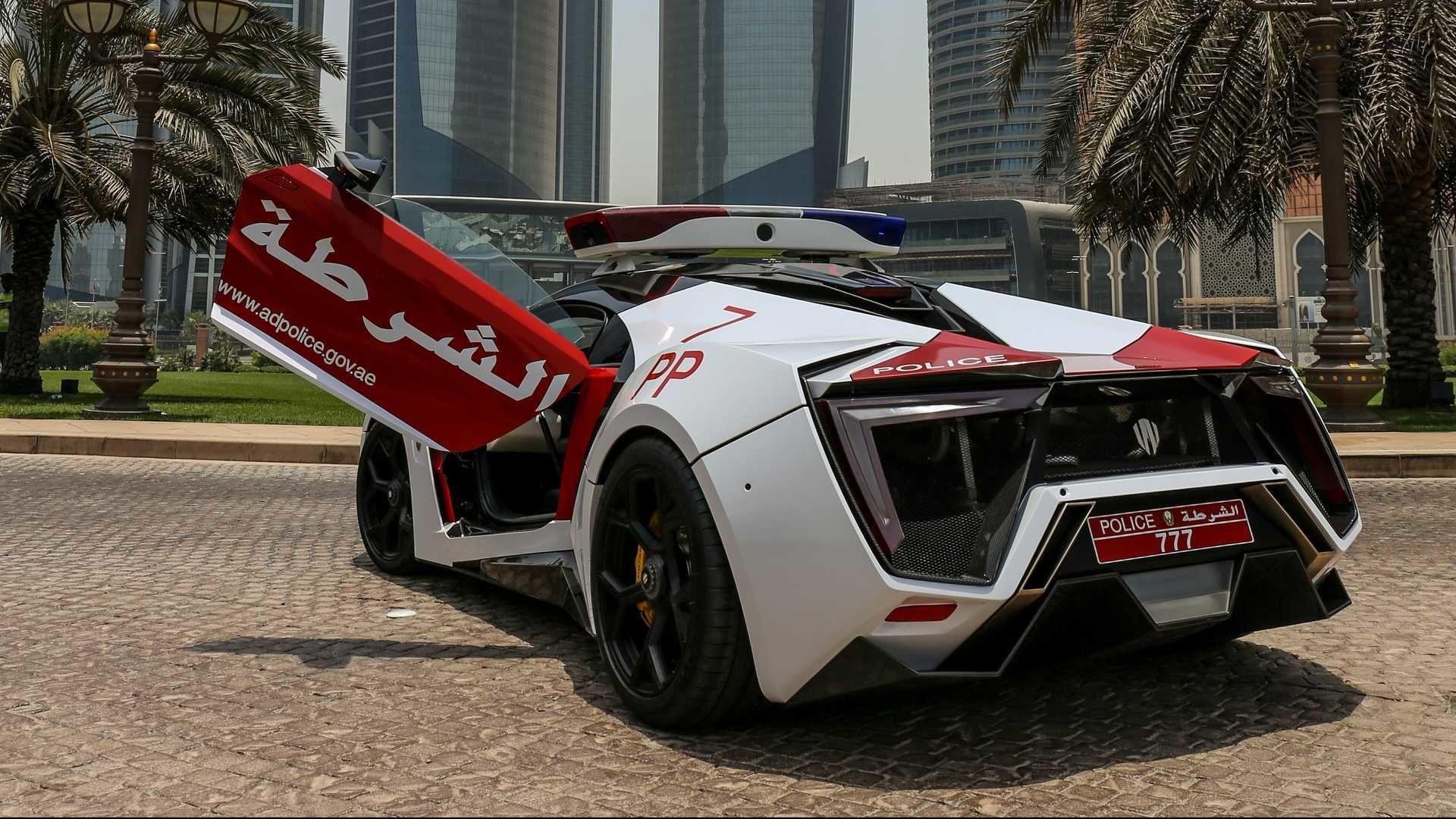 Полиция Абу-Даби получила ураганный арабский суперкар за $3,5 миллиона
