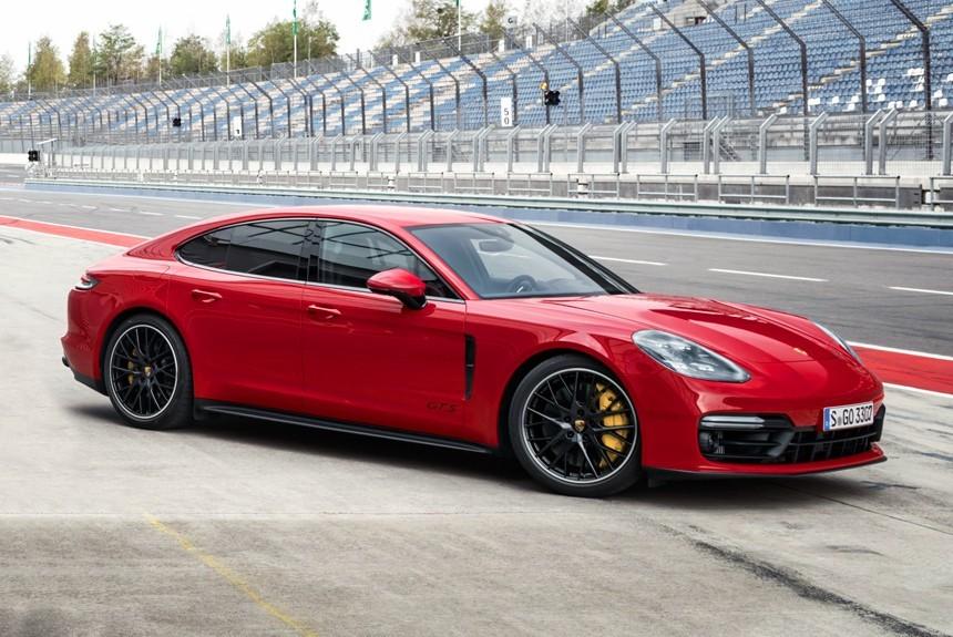 В новом Porsche Panamera неожиданно обнаружены украинские детали
