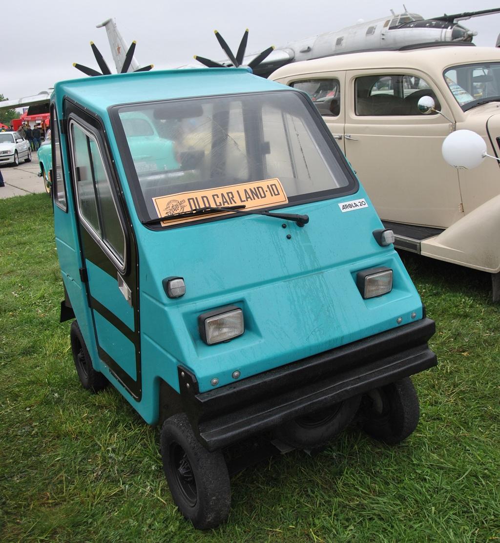 В Украине показали авто, который можно водить без прав