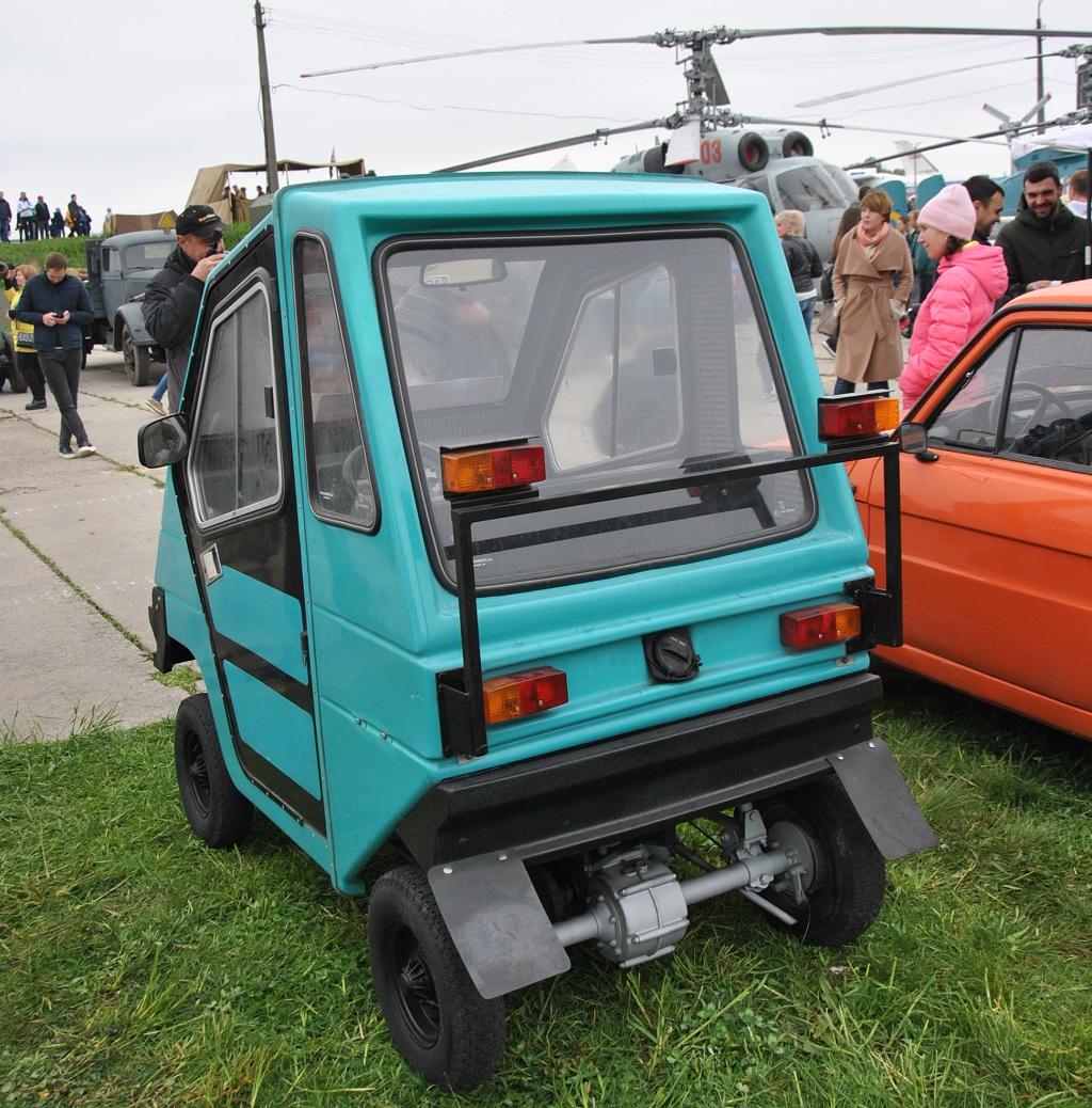 В Украине показали автомобиль, который можно водить без прав