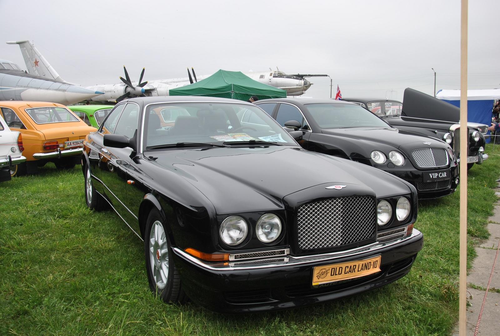 В Украине засняли редчайший 60-летний Bentley