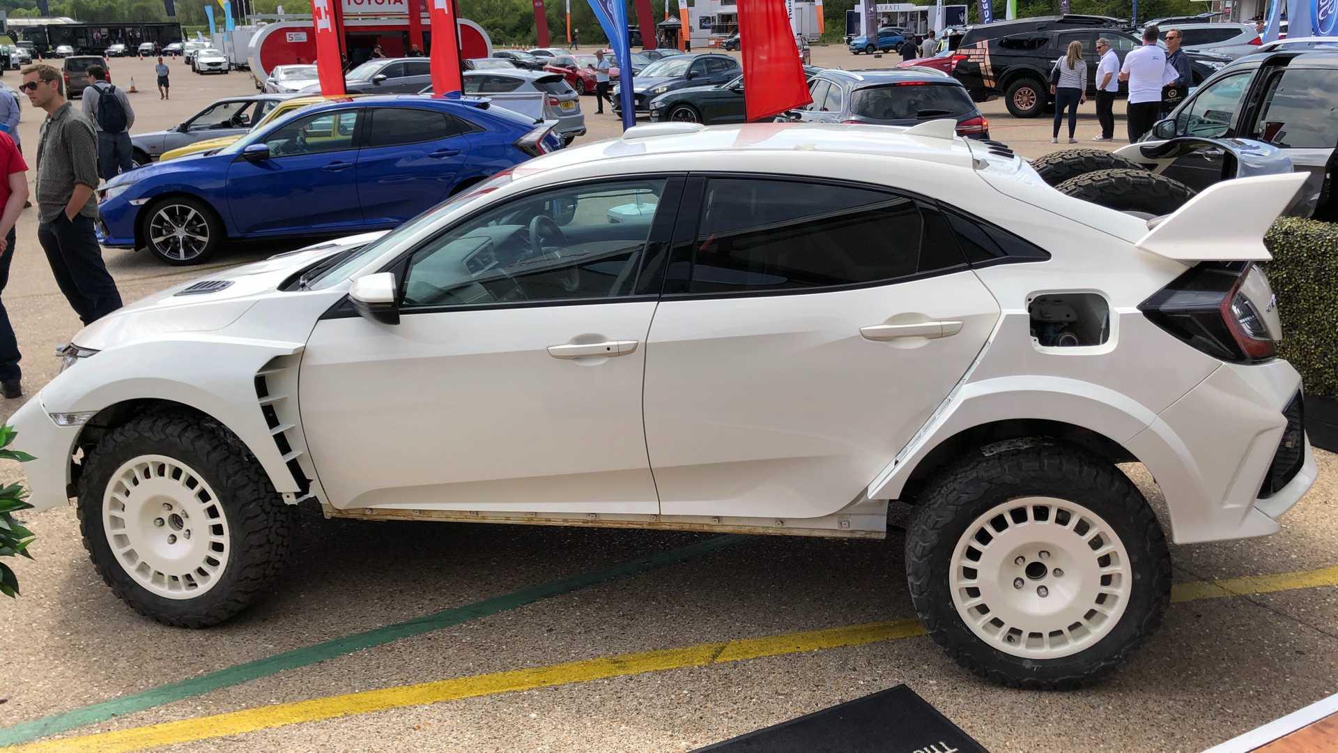 Хот-хэтч Honda Civic Type R 2019 превратили в эффектный кроссовер