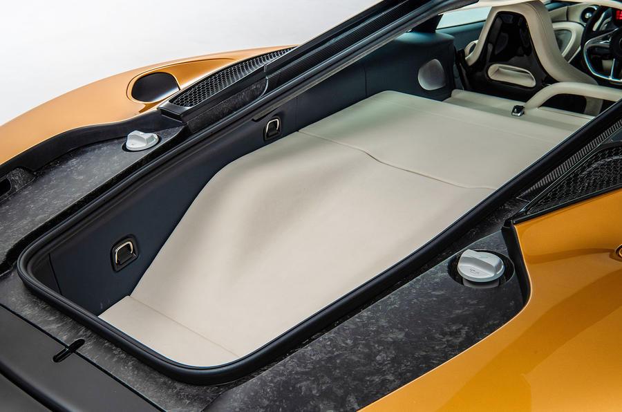McLaren представил новый суперкар для украинских дорог