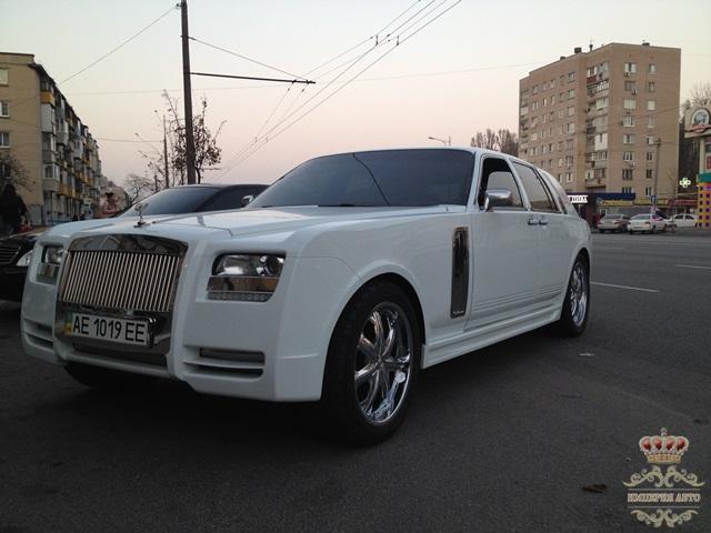 В Украине продают Роллс-Ройс по цене Дастера