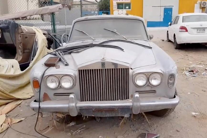 Как выглядит свалка суперкаров в Эмиратах (видео)
