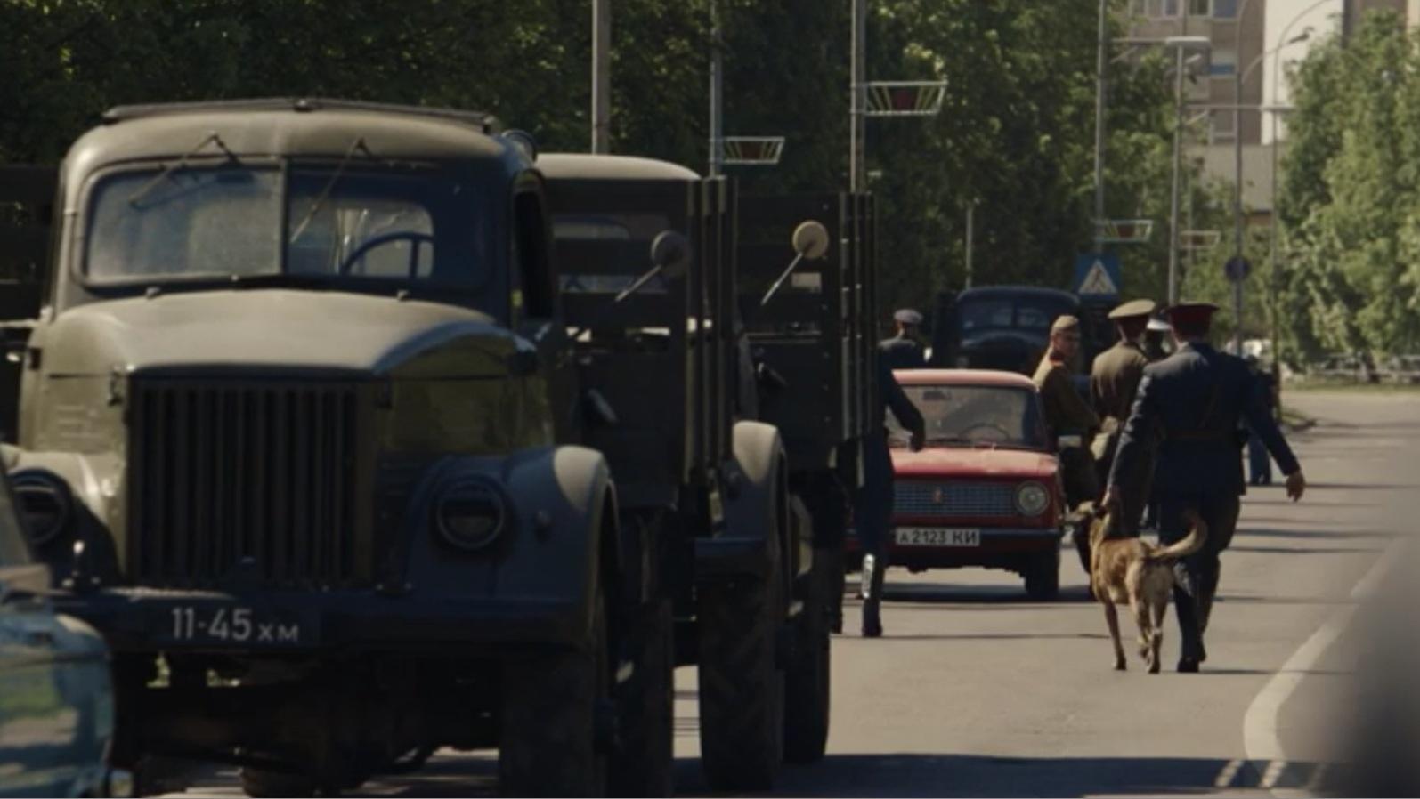 Какие автомобили можно встретить в сериале «Чернобыль»