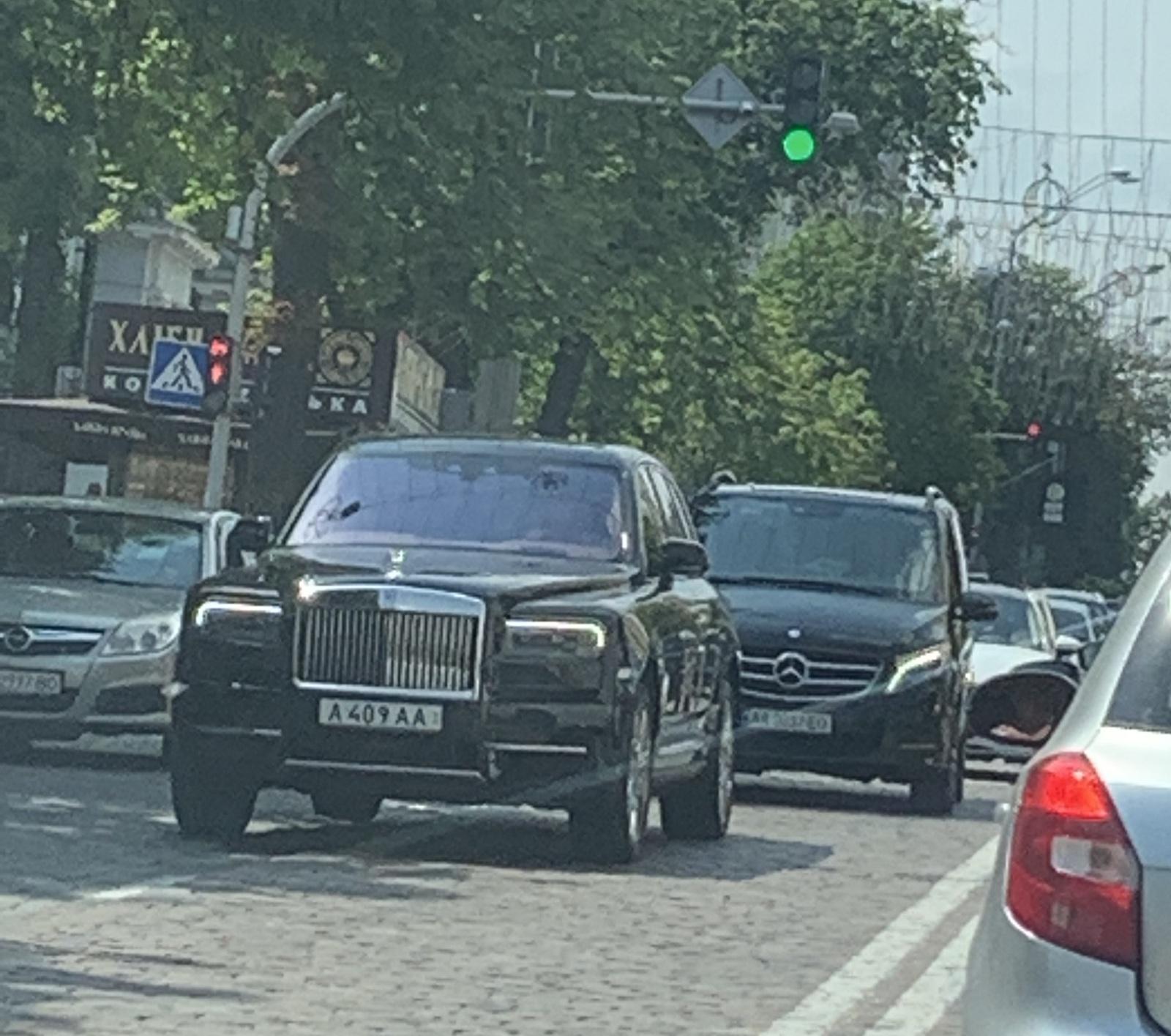 В Украине снова засняли самый дорогой внедорожник в мире