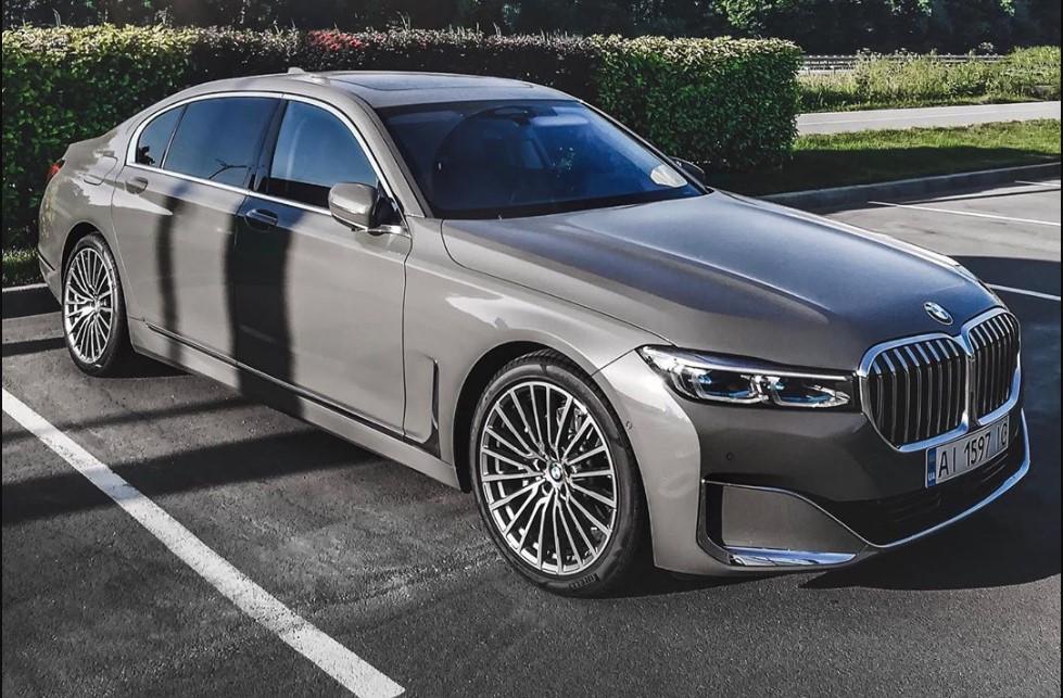Новейший флагман BMW 7 2019 уже ездит по Украине