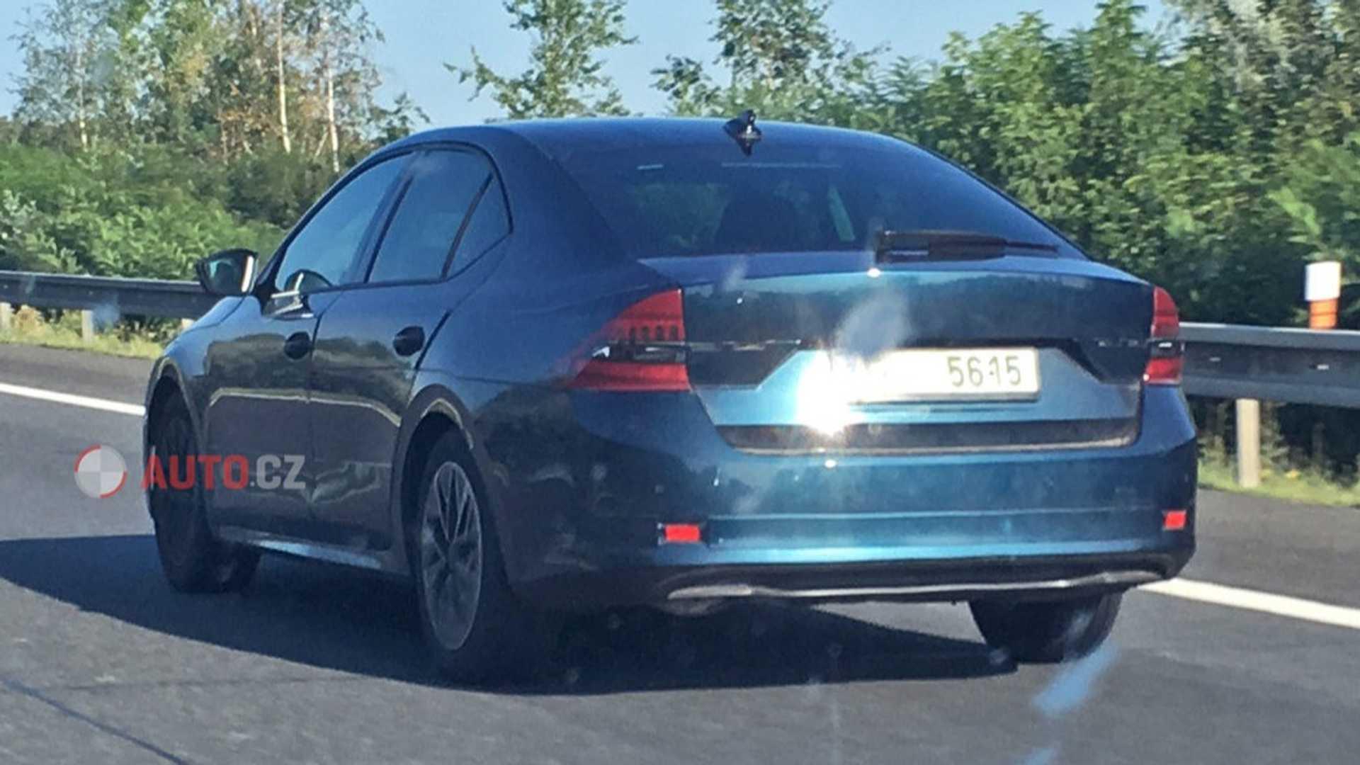 Новая Skoda Octavia 2020 рассекречена во время тестов