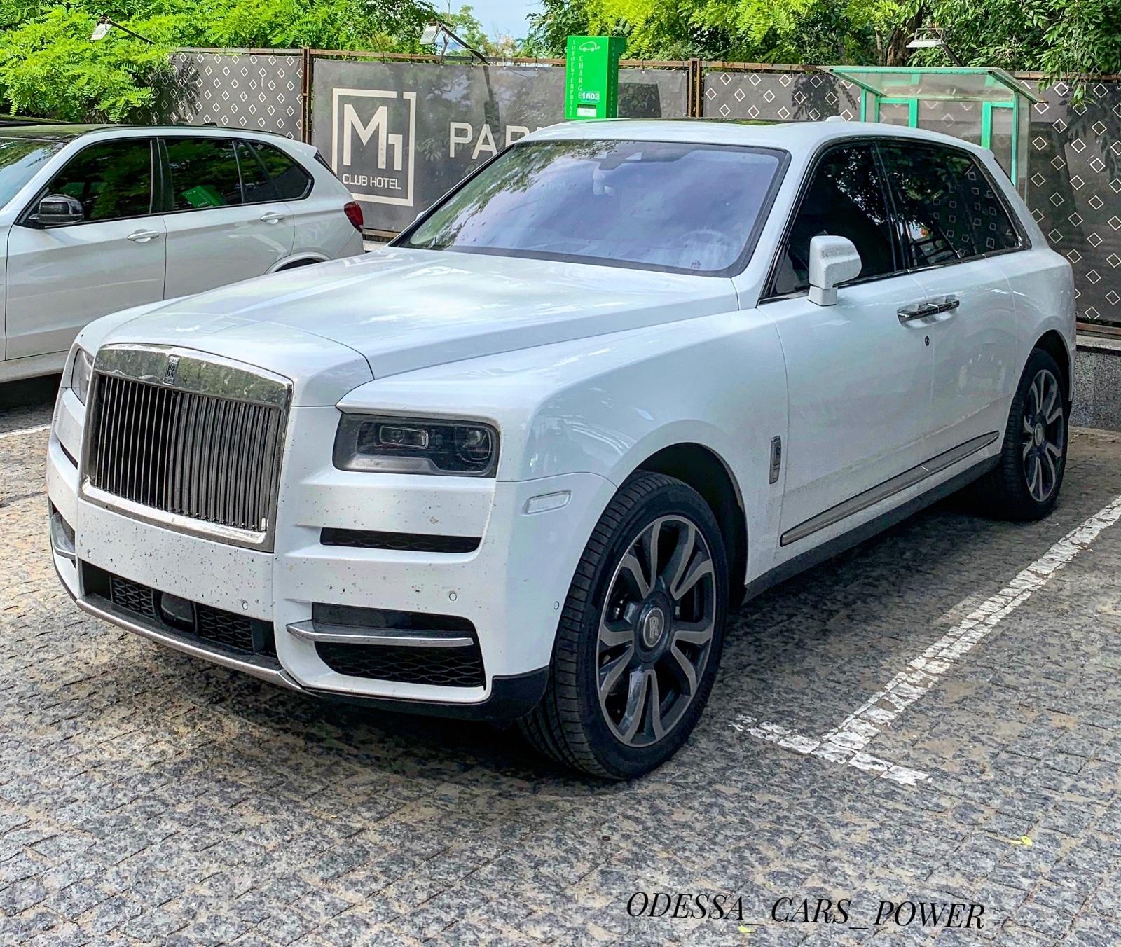 В Украине сняли новейший внедорожник Rollc-Royce