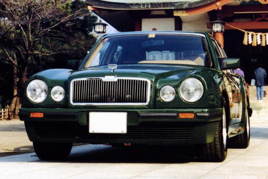 Японцы превратили старый Mercedes S-Class в Bentley