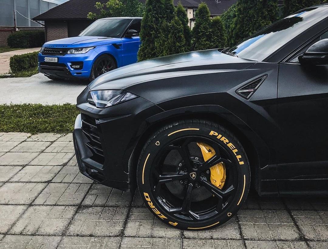 В Украине засняли первый кроссовер Lamborghini с тюнингом