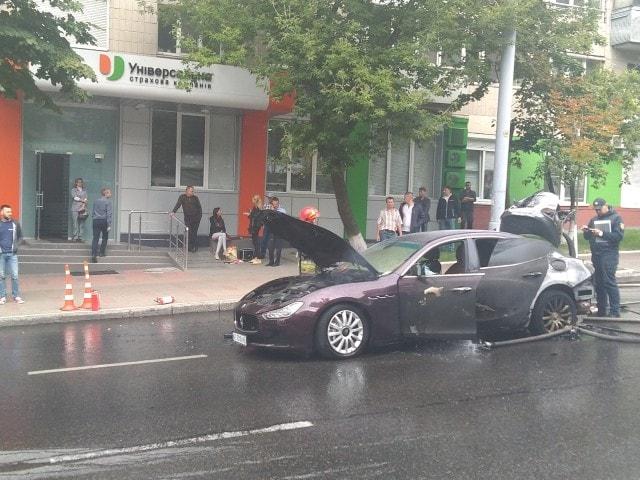 В центре Киева сгорел роскошный Maserati