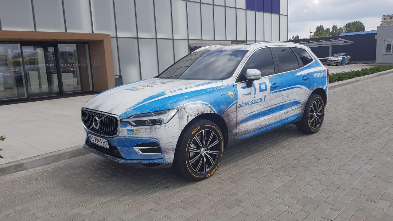 В Киеве заметили очень необычный кроссовер Volvo