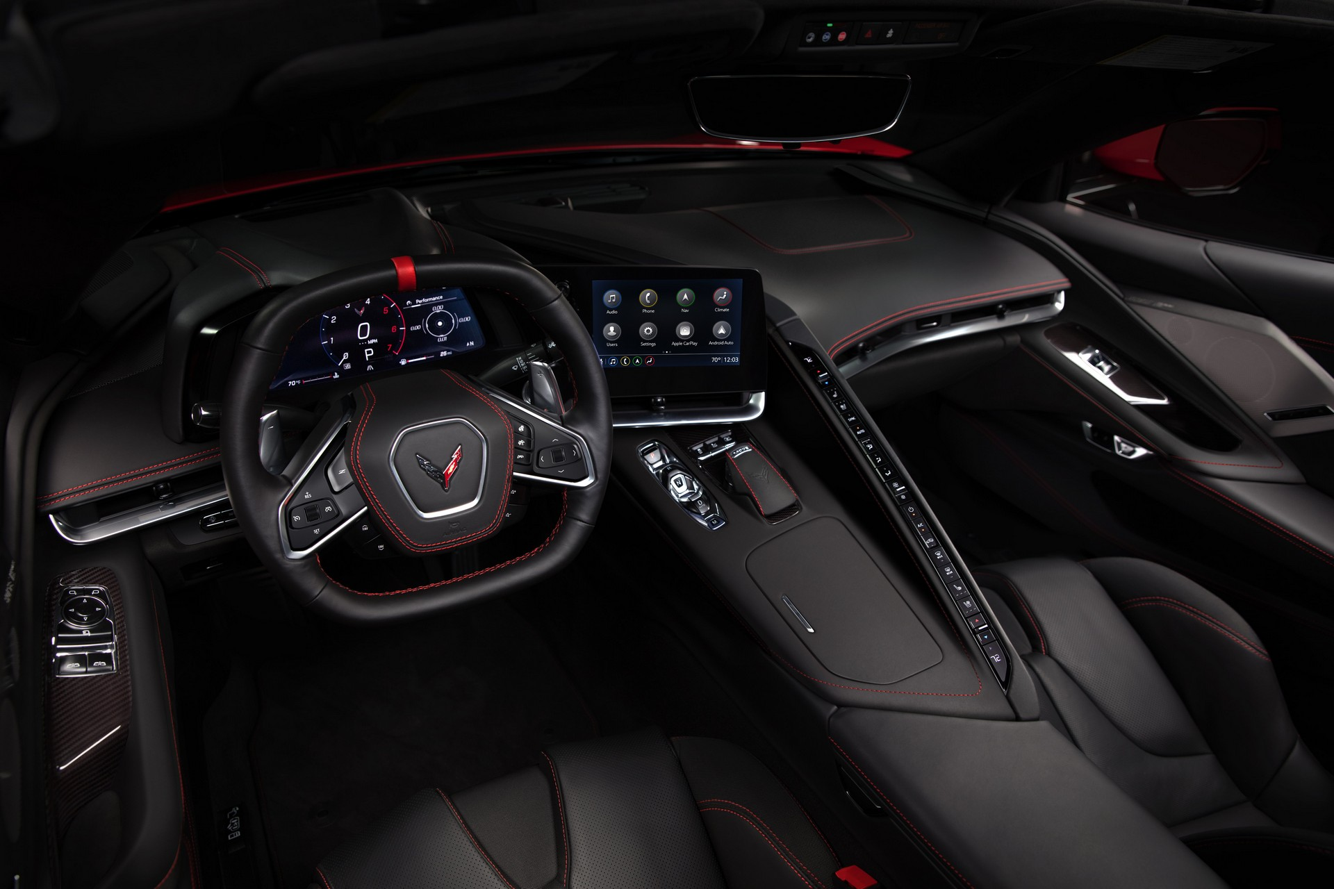 Живые фото и все подробности революционного Chevrolet Corvette 2020