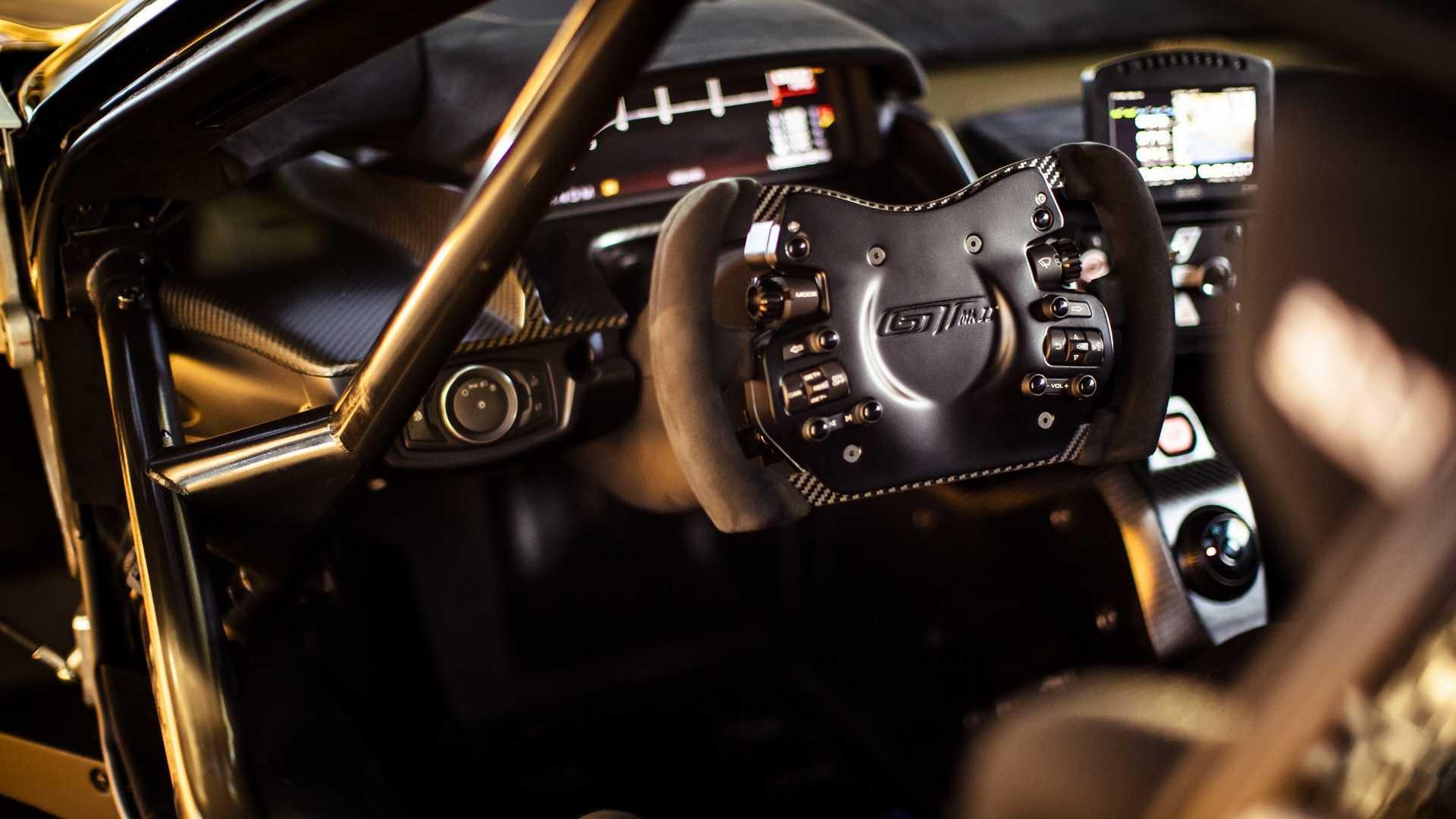 Представлен самый мощный и самый дорогой суперкар Ford в истории