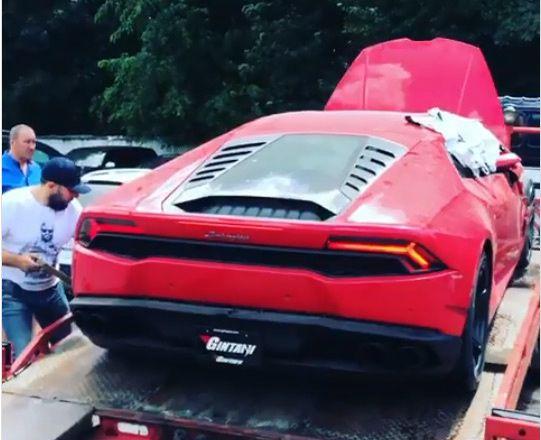 Боксер Ломаченко купил необычный суперкар Lamborghini