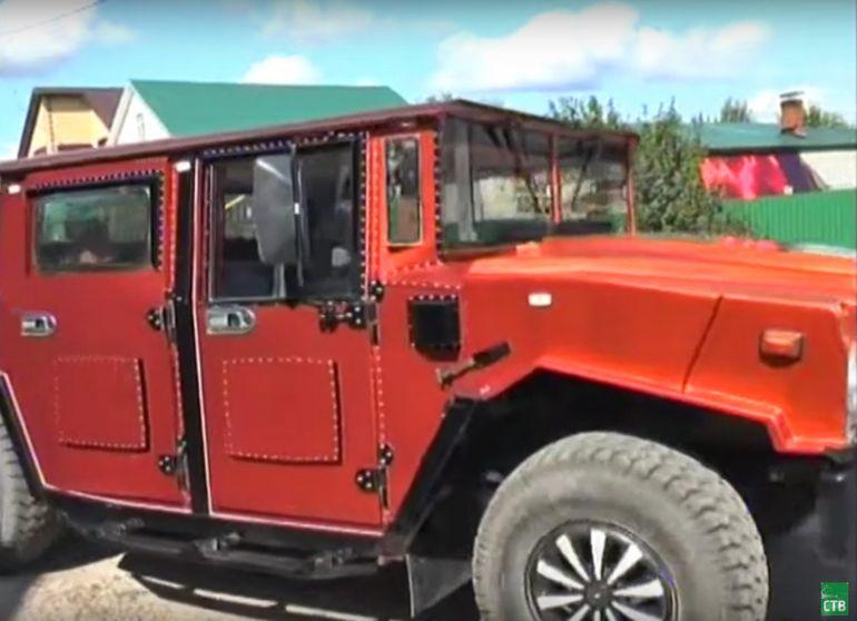 Народный умелец превратил ЗИЛ в Hummer с ковром в салоне
