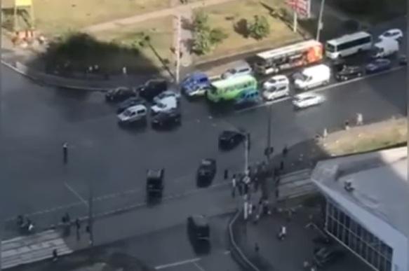Киевские водители устроили протест против кортежа Зеленского (видео)