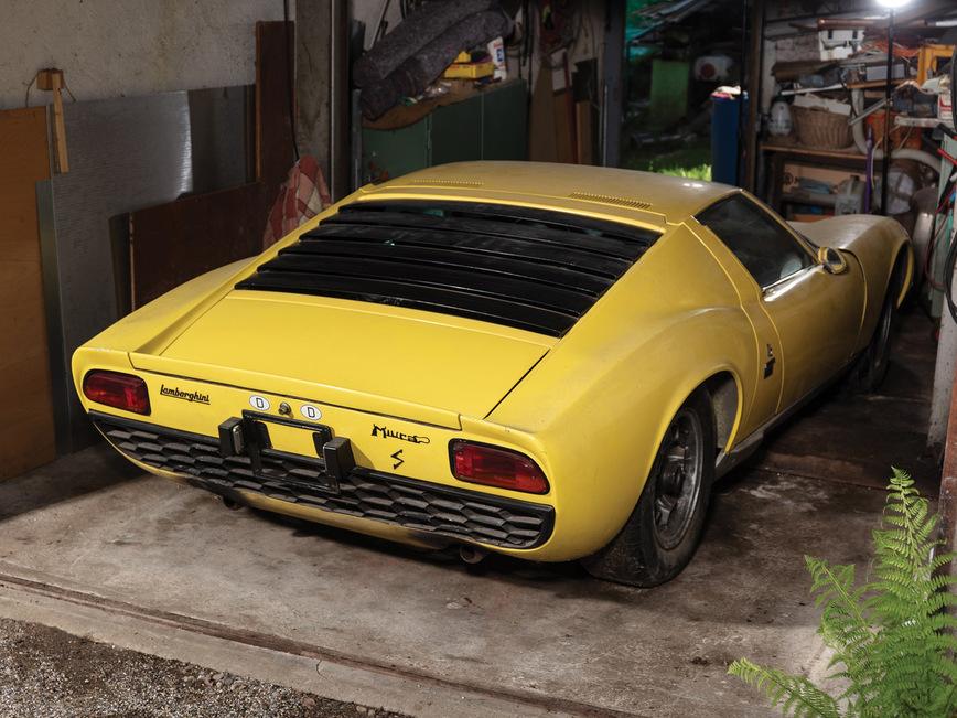 Раритетный суперкар Lamborghini 45 лет простоял нетронутым в гараже