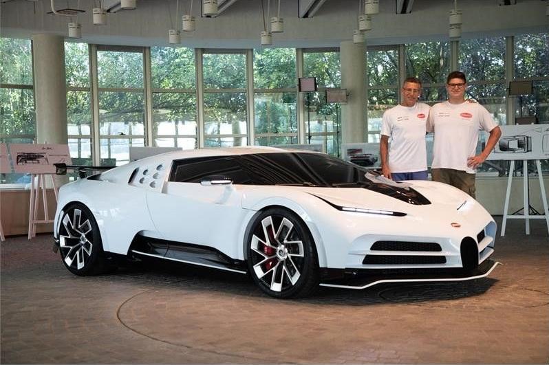 Новейший гиперкар Bugatti рассекречен на первых фото