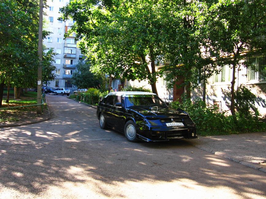 Старый Москвич превратили в заниженный спорткар в стиле GTA
