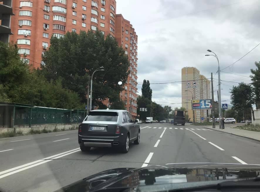 Не опять, а снова: в Украине появился очередной внедорожник Роллс-Ройс