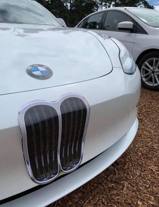 Новый электромобиль Tesla превратили в BMW