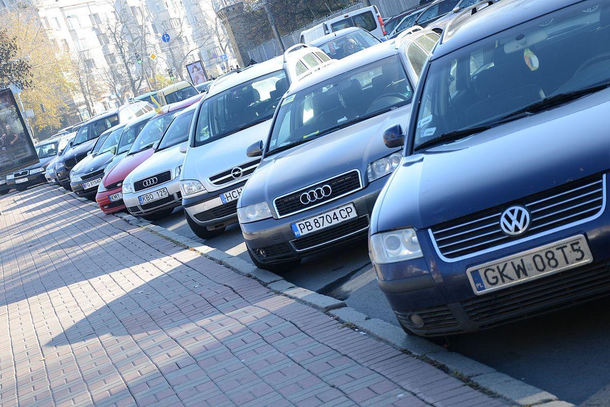 В Украине вступили в силу штрафы для владельцев авто на еврономерах