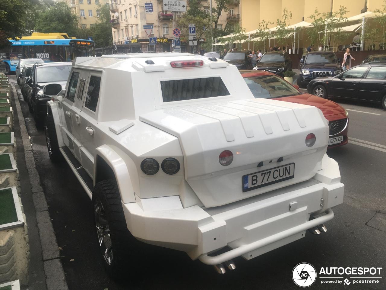 Эксклюзивный внедорожник Dartz сфотографировали в Киеве