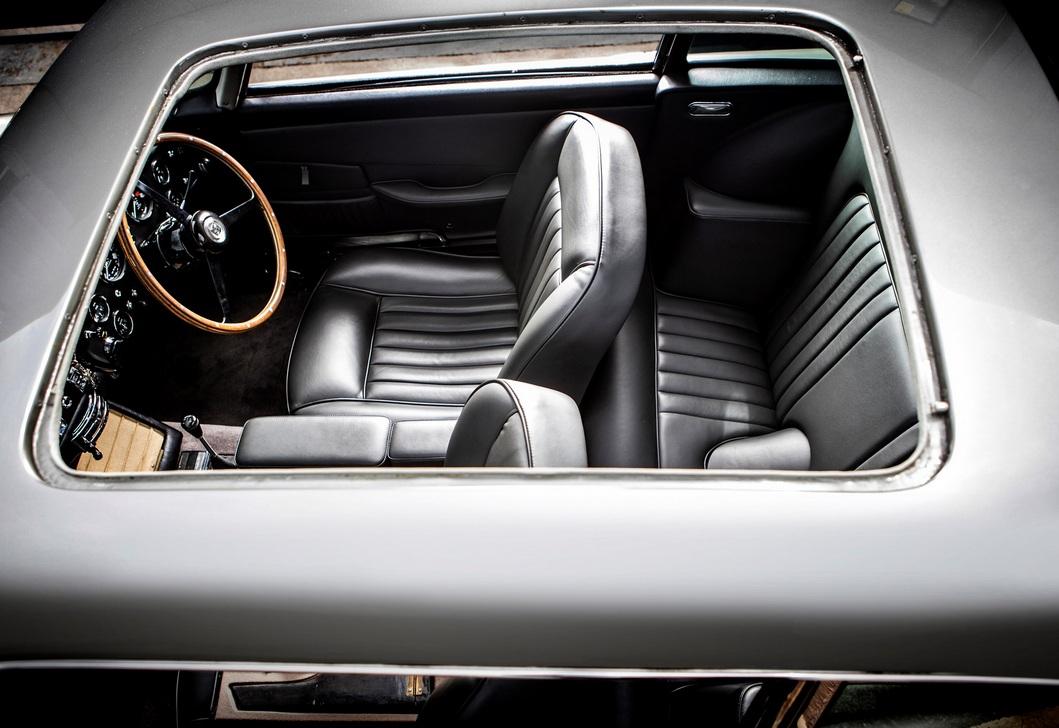 Самый известный авто Джеймса Бонда ушел с молотка по цене двух Bugatti