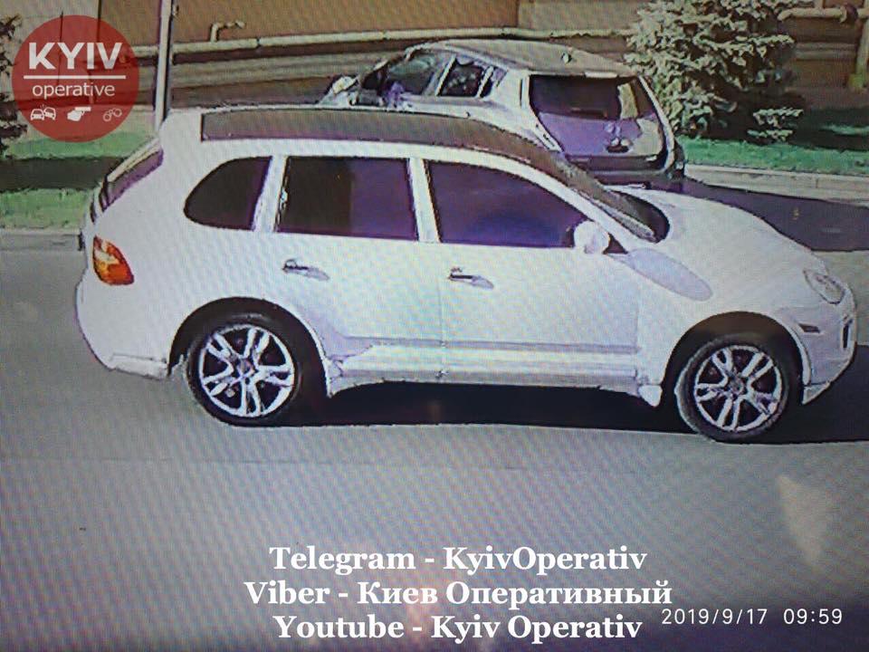 Гламурные воры на Porsche обокрали обменник под Киевом