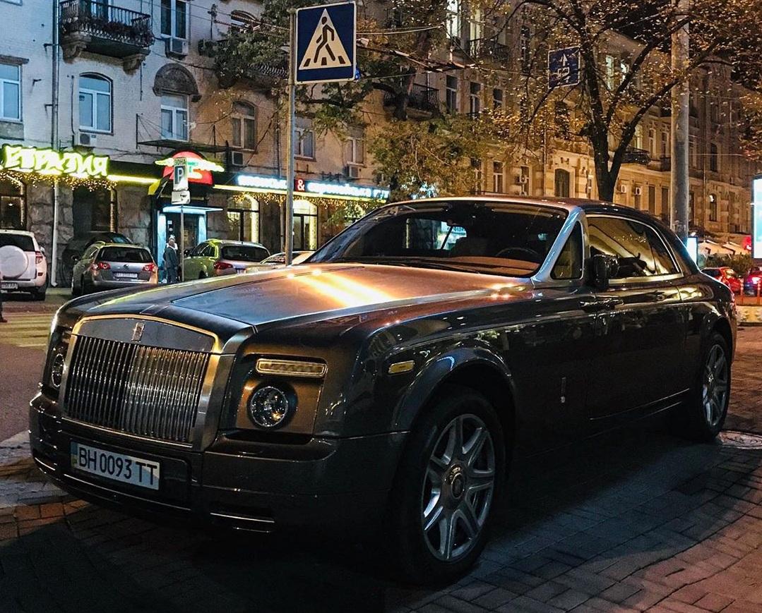 В Украине заметили редчайшее купе Rolls-Royce