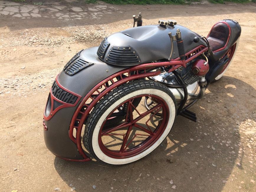 Народные умельцы скрестили мотоцикл и паровоз