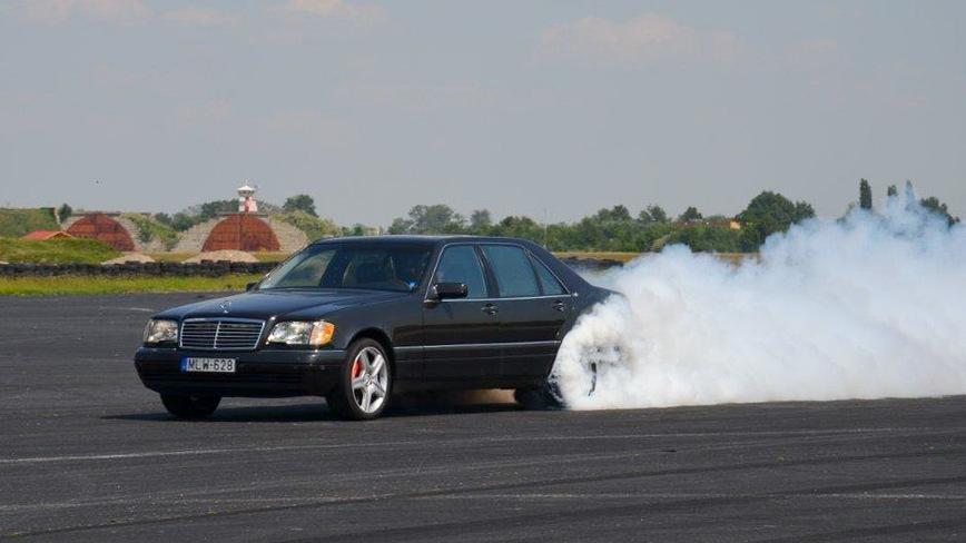 Как едет самый быстрый Mercedes S600 W140