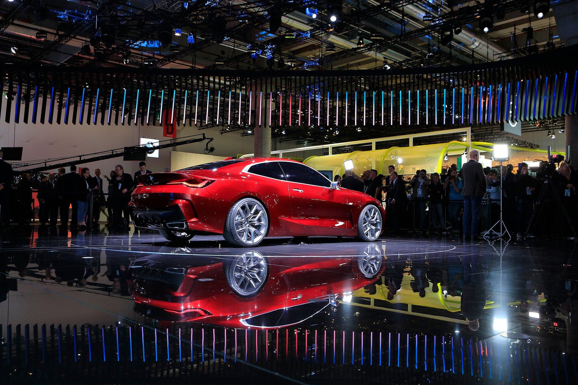 Первые фото нового купе BMW с гигантскими ноздрями