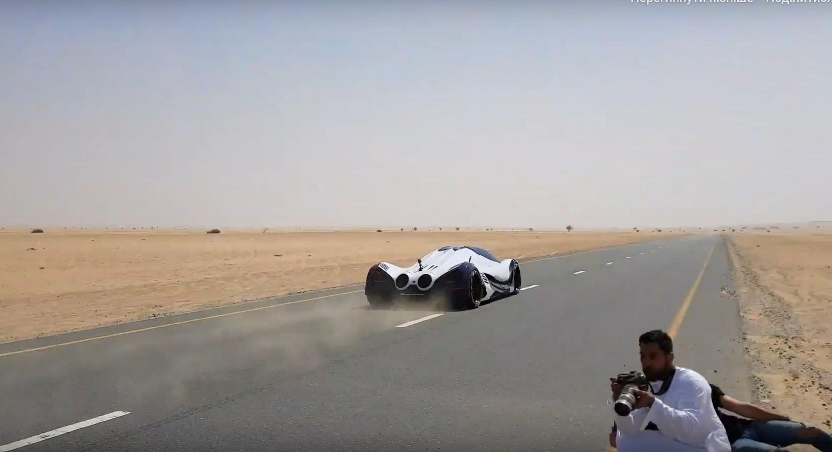 Самый мощный автомобиль в мире засняли на дорогах