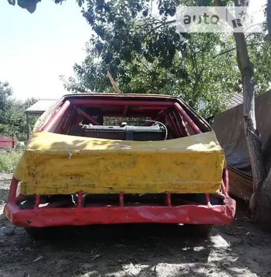 В Украине выставили на продажу автомобиль для постапокалипсиса