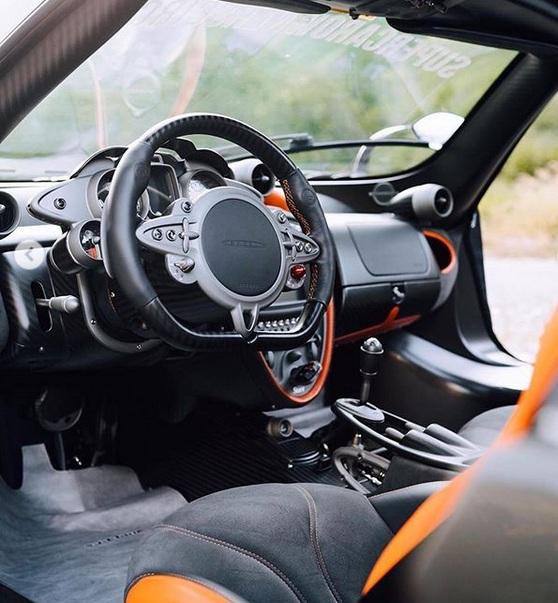 Самый экстремальный суперкар Pagani впервые засняли на дорогах