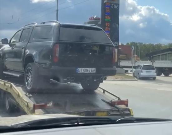На дорогах Украины заметили новейший пикап Mercedes Brabus