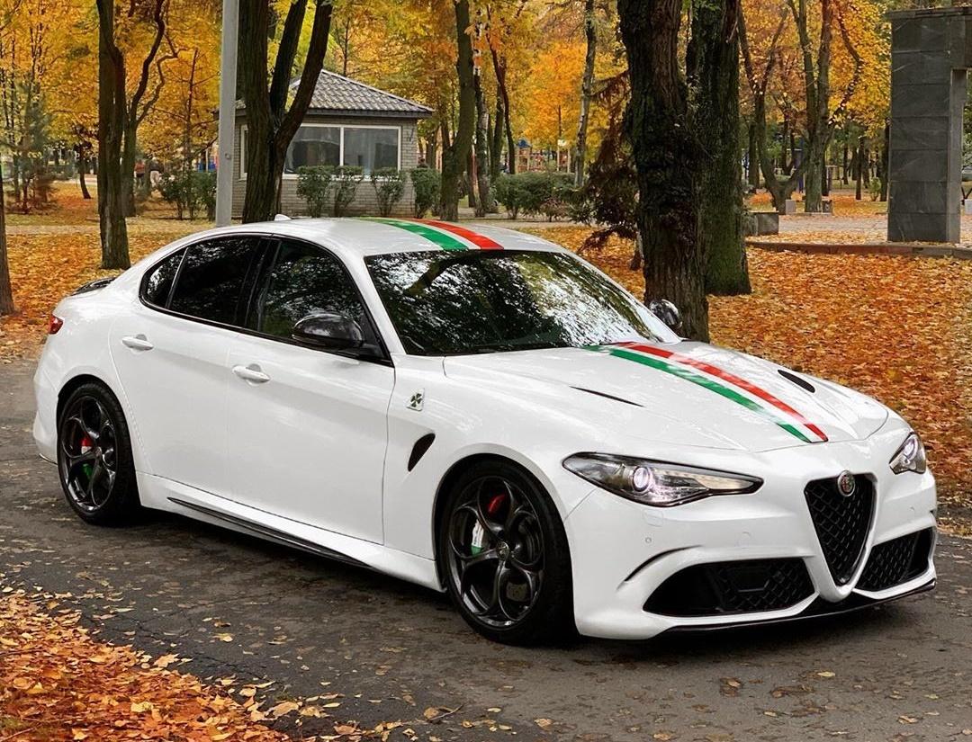 В Украине засветился заряженный седан Alfa Romeo с двигателем Ferrari