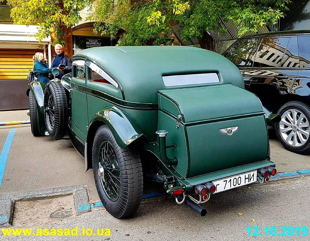 В Украине засняли легендарный Bentley 30-х годов