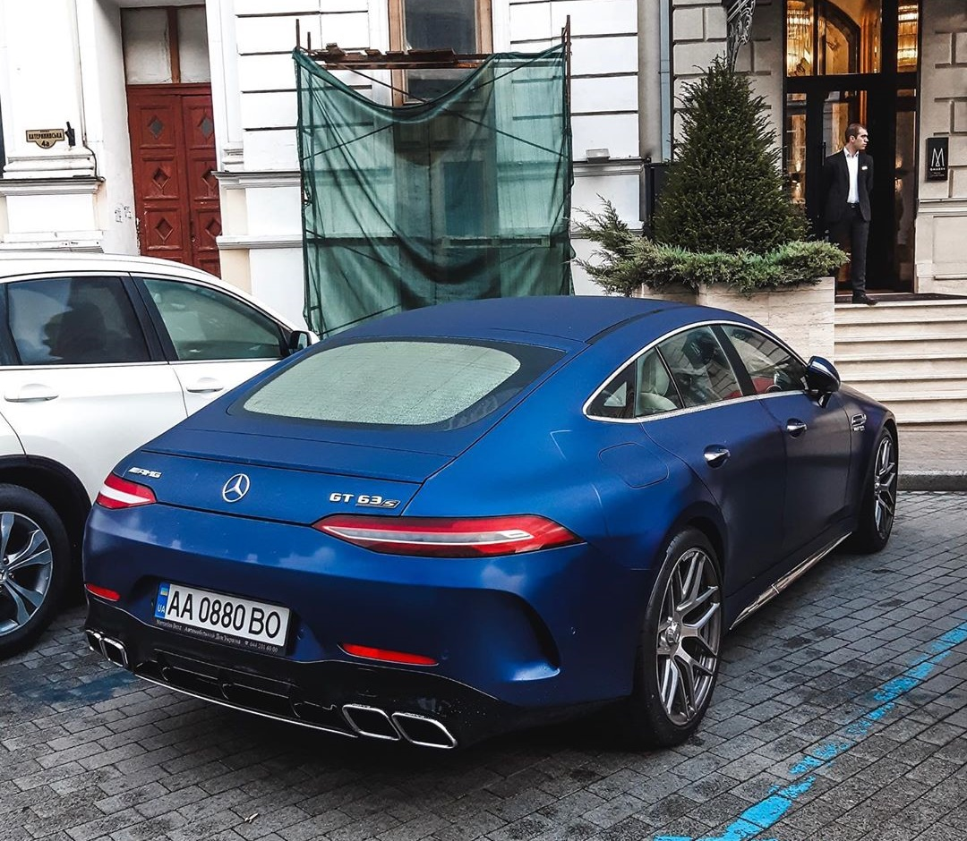 В Украине засняли самый мощный Mercedes-AMG за 5 миллионов