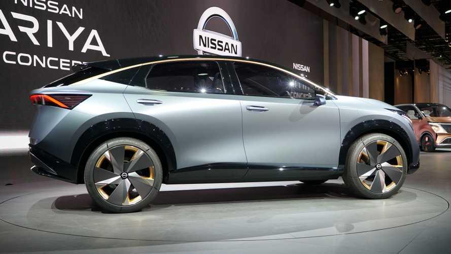 Кроссовер Nissan Leaf: живые фото и все подробности