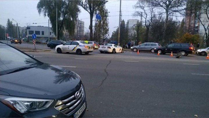 В Киеве разбили в ДТП редкий Dodge Viper